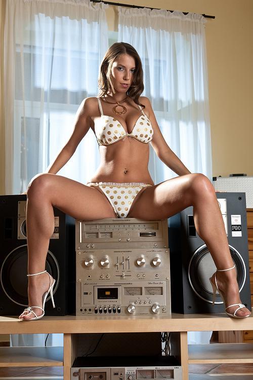 hi-fi girl