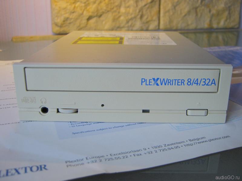 PlexWriter_CD-R_PX-W8432Ti-02